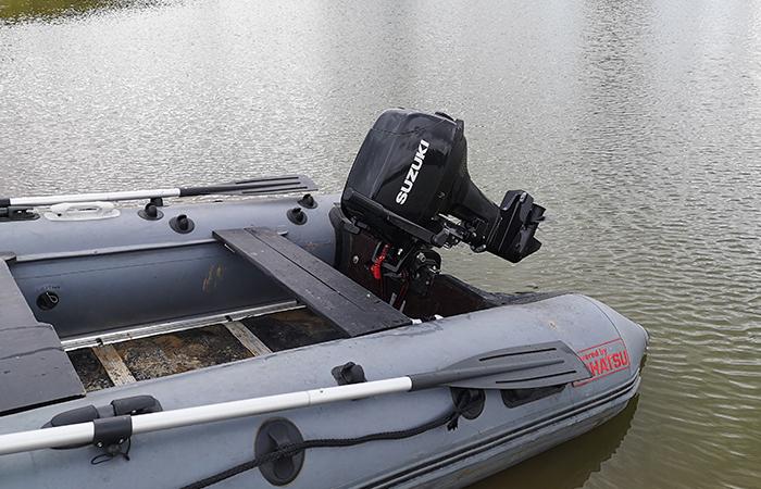 Мотор Suzuki на воде