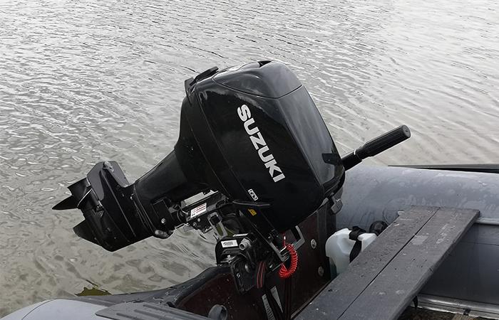 Мотор Сузуки на воде